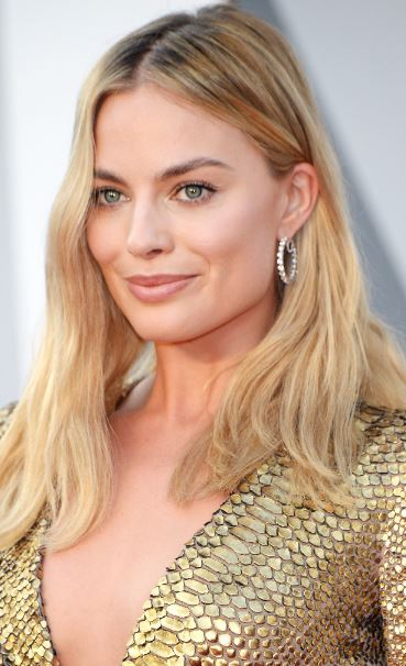 Margot Robbie Foundation Tip